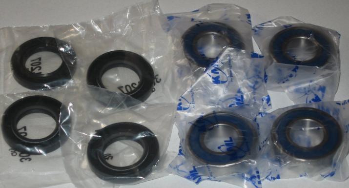 Front Wheel Bearing and Seal Set - Click Image to Close
